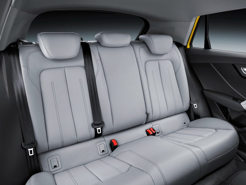 2017-audi-q2-backseat