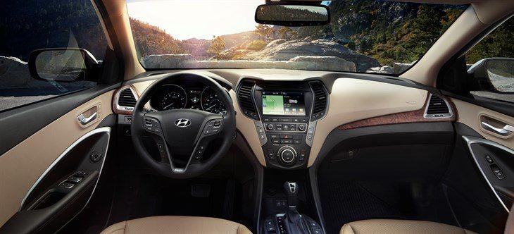 2017-Hyndai-Santa-Fe-drive