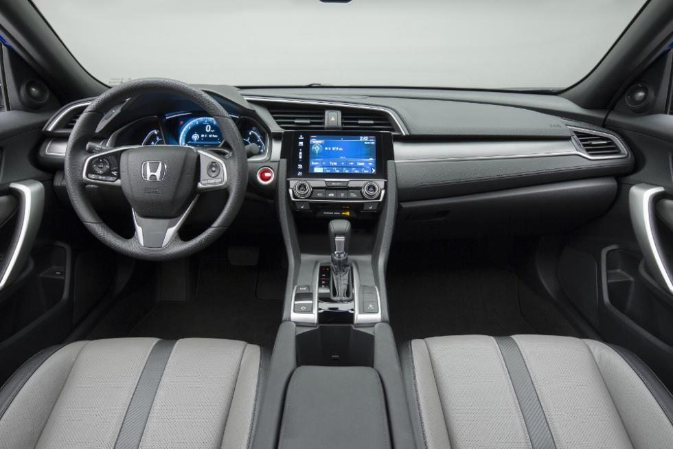 honda-civic-2017-interior-media