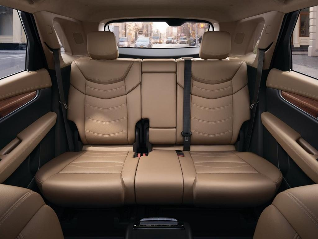 2017-cadillac-xt5-backseats