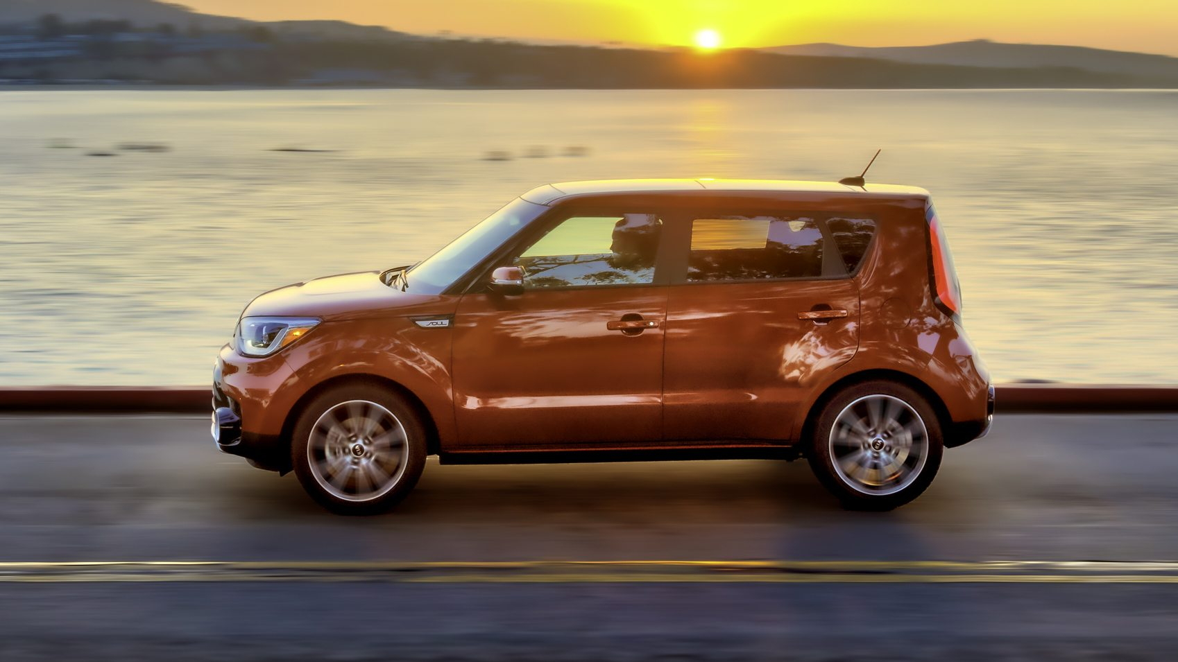 2017 kia soul price features review. Black Bedroom Furniture Sets. Home Design Ideas