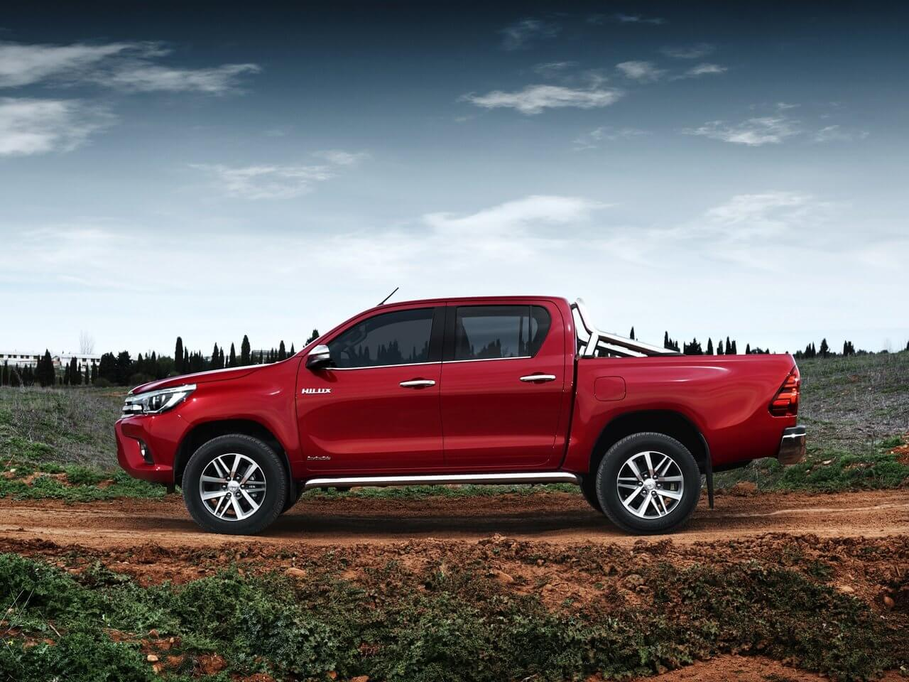 2017 toyota hilux received a facelift new engines and. Black Bedroom Furniture Sets. Home Design Ideas