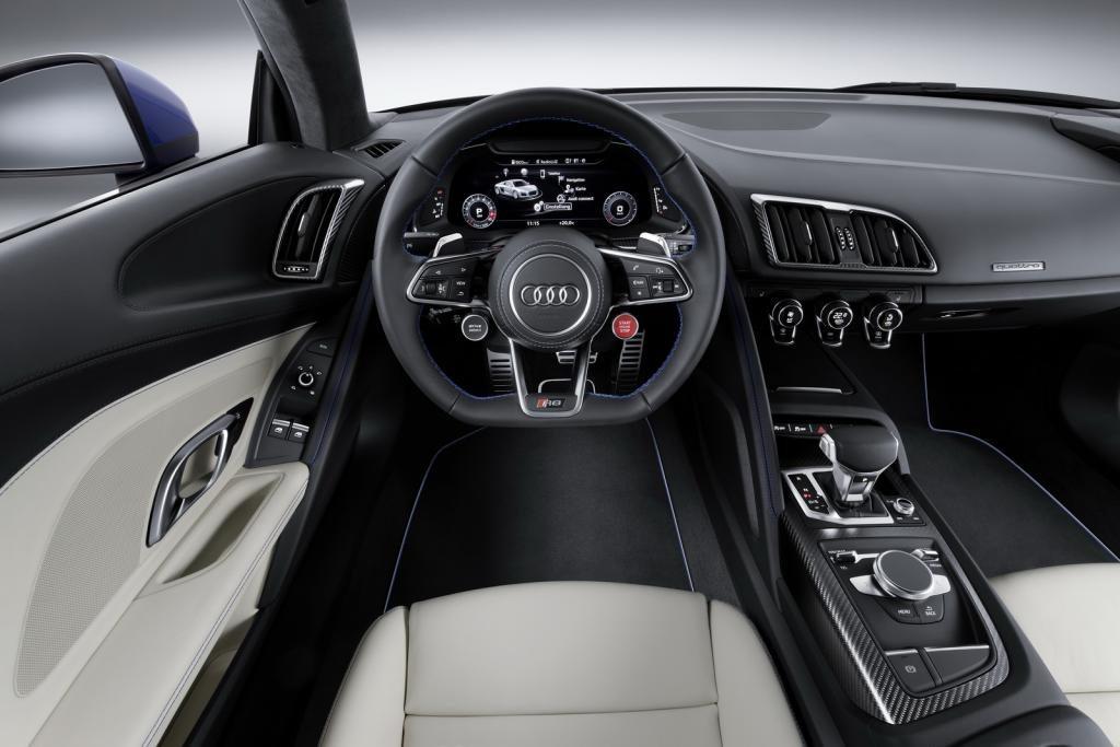 2018-audi-r8-interior