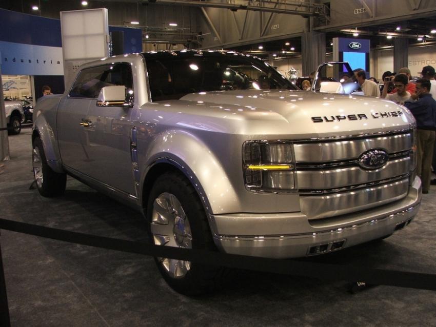 Ford Super Chief – First Tri-Flex 550HP V10 Pickup Truck